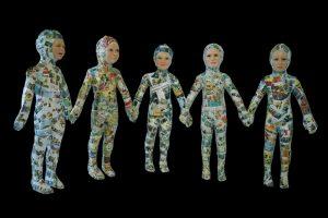 Wendy Mayer | Paper Chain Dolls, Y Fersiwn Cymraeg | 2010 | Wax, papier mache, acrylic eyes & Welsh and English comics | 110x180x26cm | (1024×683)