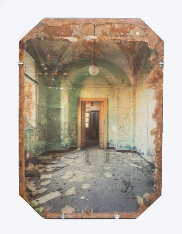 Gina Soden | Asylum Arched Room on Mirror | 2018 | Photograph hand printed onto antique mirror with 24 carat gold leaf, acrylic seal | 57x39cm