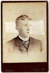 Tom Butler   Irvin   2014   Gouache on Albumen print   16.5×10.5cm